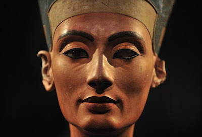 Egypt approves search for Nefertiti tomb