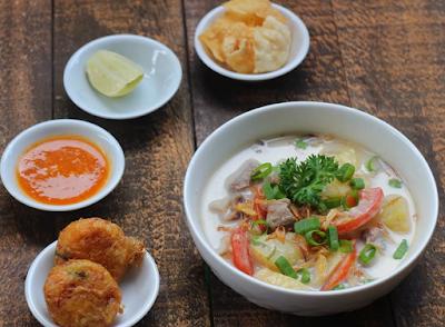 soto betawi makanan khas indonesia