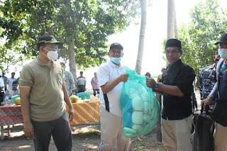 Dikunjungi Gubernur, Masyarakat Brang Kua Pulau Moyo Terharu