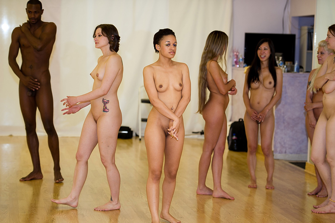 Naked Arab Girl Dancing