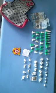 GCM de Embu de Embu das Artes prende mulher por tráfico de drogas no Jd. Santo Eduardo