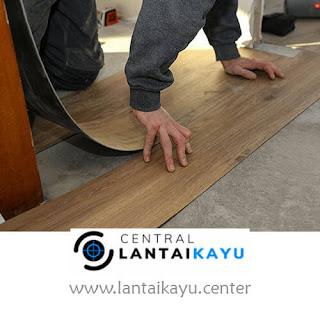 harga lantai kayu sintetis / tempel Vinyl