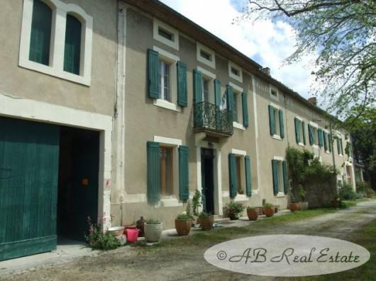 ab real estate immobilier petit vignoble avec maison de maitre vendre secteur carcassonne. Black Bedroom Furniture Sets. Home Design Ideas