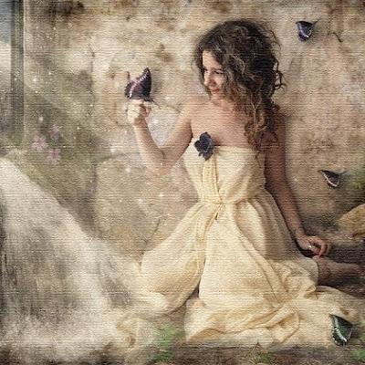 Soy una mujer que amando acalla todos los rencores y vacíos, porque el amor es tan inmenso que acorta por un instante, todos los pesares  que pueda estar sintiendo.