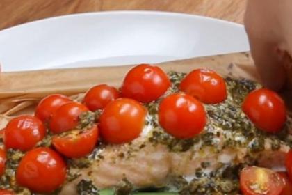 Parchment Tomato Pesto Salmon