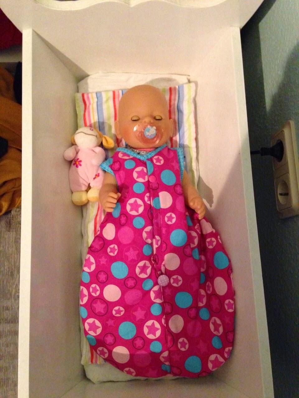 n hmamaschine schlafsack f r die baby born. Black Bedroom Furniture Sets. Home Design Ideas