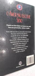 O amor não escolhe sexo. Giselda Laporta Nicolelis. Editora Moderna. Coleção Veredas. Rogério Borges. Contracapa de Livro. 1997.