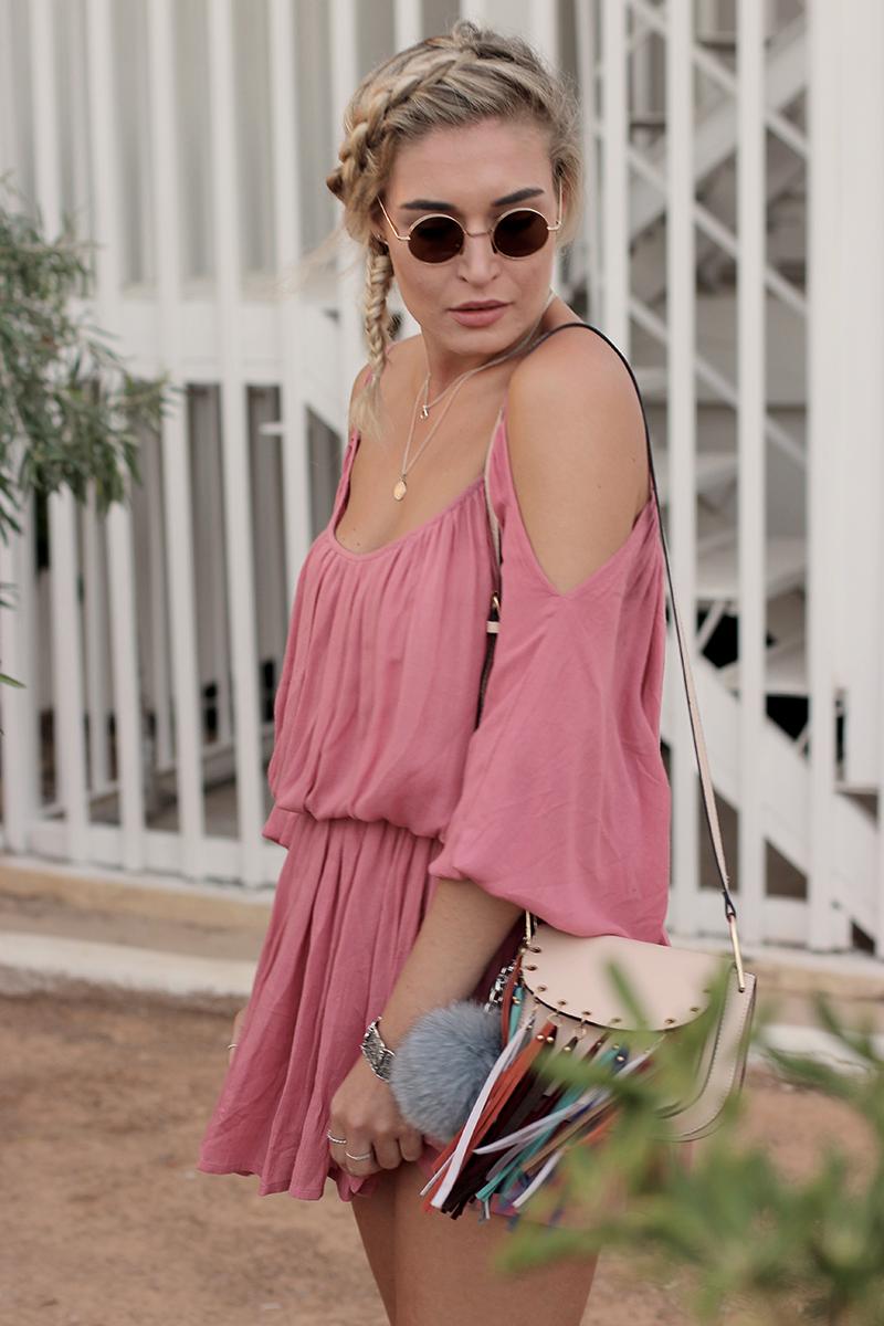 ootd-Look-Outfit-Style-Dress-Off Shoulder-About You-Birkenstock-Sassyclassy-Kleid-Summer Dress-Sommer Kleid-Streetstyle-Modeblog-Fashionblog-Blogger-Bloggerlook-Lauralamode-Munich-Muenchen-Deutschland