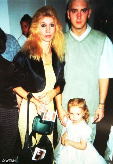hailie jade scott and eminem relationship with his mom