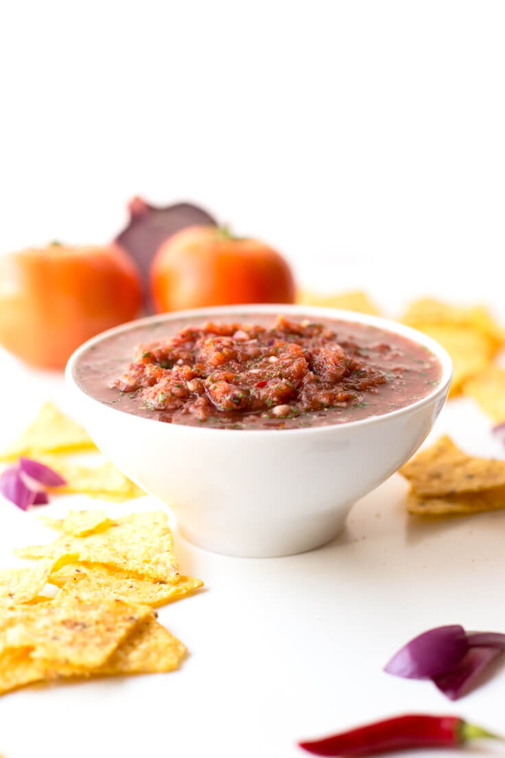 Homemade Mexican Salsa: A delicious sauce that is prepared in less than 10 minutes. You have to beat!