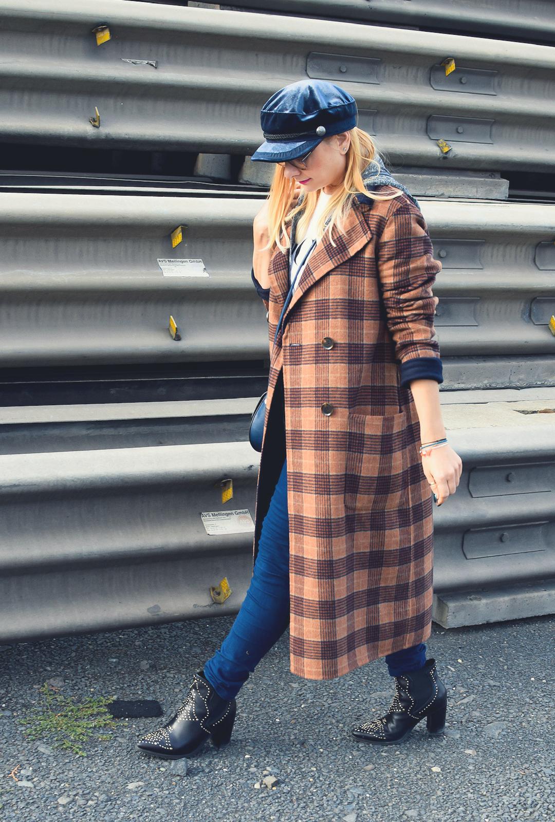 Modeblog für Frauen über 40, Karierter Mantel Karen Millen