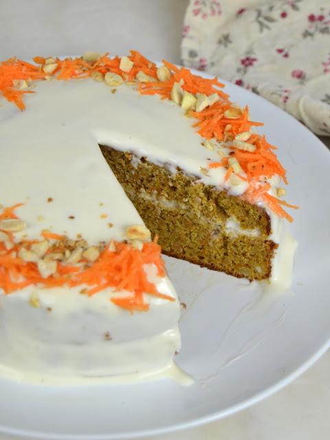Cómo preparar la tarta de zanahoria con cobertura de queso
