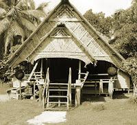 Keunikan-Rumah-Adat-Tradisional-Uma-Mentawai-Sumatera-Barat