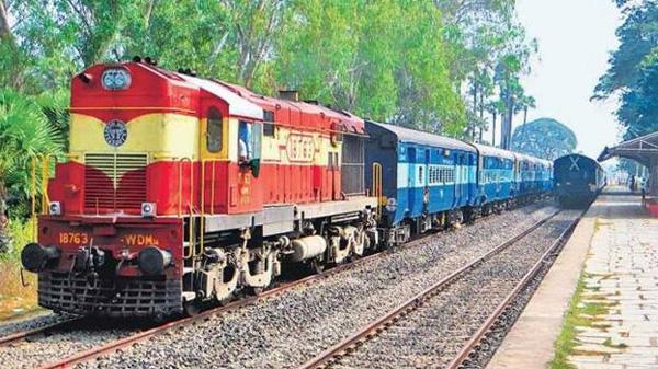 152 people came by train from Mumbai to Kannur: District administration, Kannur, News, Train, Passengers, Mumbai, Hospital, Treatment, Kerala