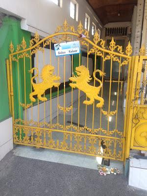 aide leit-lepmets indoneesia inspiratsioon värav