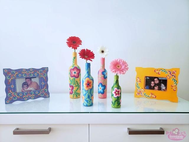 Garrafas pintadas com flores