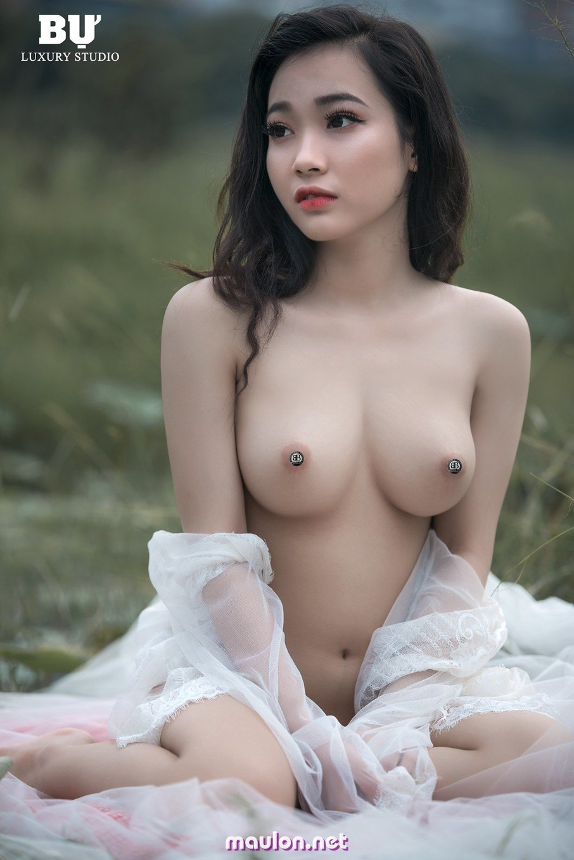 MauLon.Net - Ảnh sex gái xinh lung linh nhìn là muốn rinh