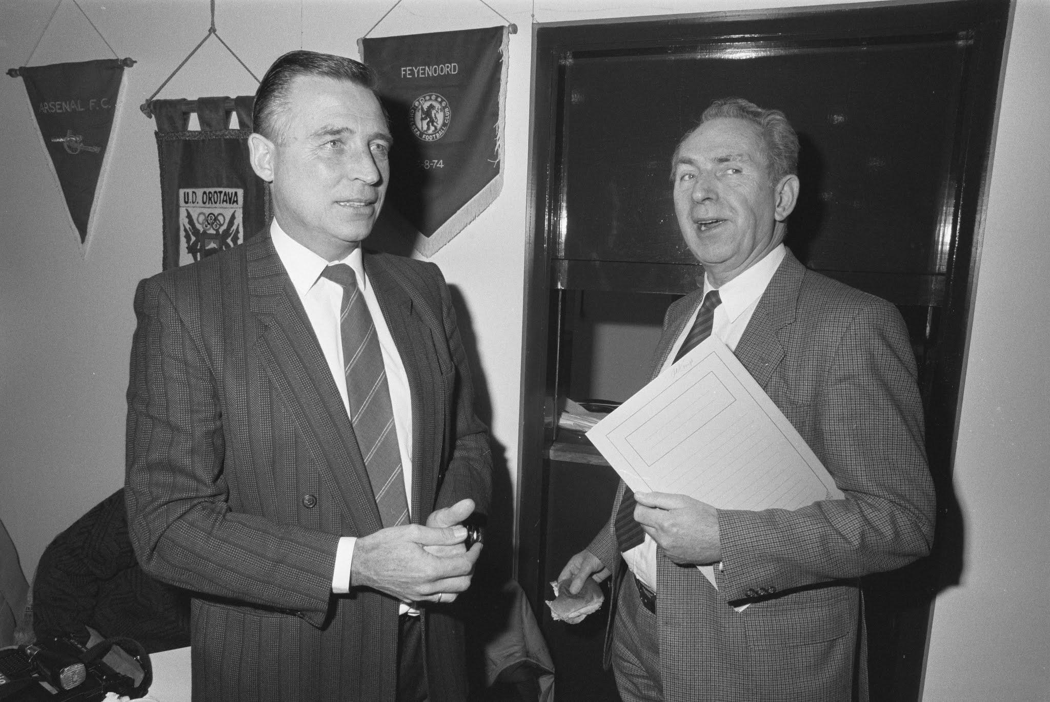 Feyenoord-voorzitter Gerard Kerkum en Stadiondirecteur Frits de Kimpe