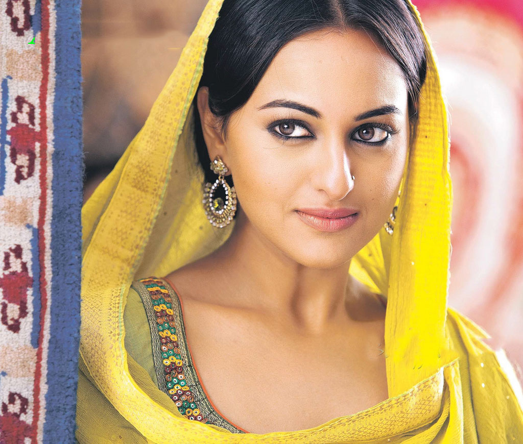 Download free hd wallpapers of sonakshi sinha download - Indian actress wallpaper download ...