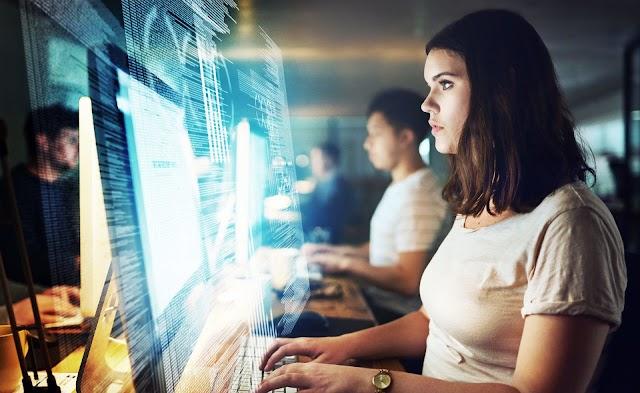 Mujeres en la ciberseguridad: la brecha de género se  reduce, pero no lo suficiente