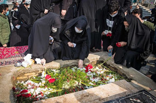 Negara Syiah Iran Antarkan Ilmuwan Nuklirnya ke Peristirahatan Terakhir