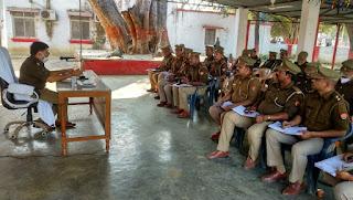 अपर पुलिस अधीक्षक ने पंचायत चुनाव को देखते हुए समस्त चौकी प्रभारियों को दिये आवश्यक दिशा निर्देश
