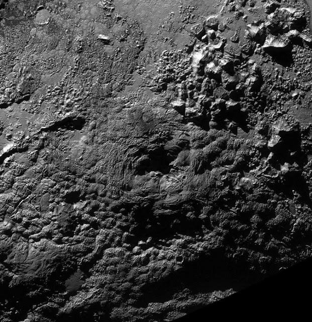 vulcão em Plutão