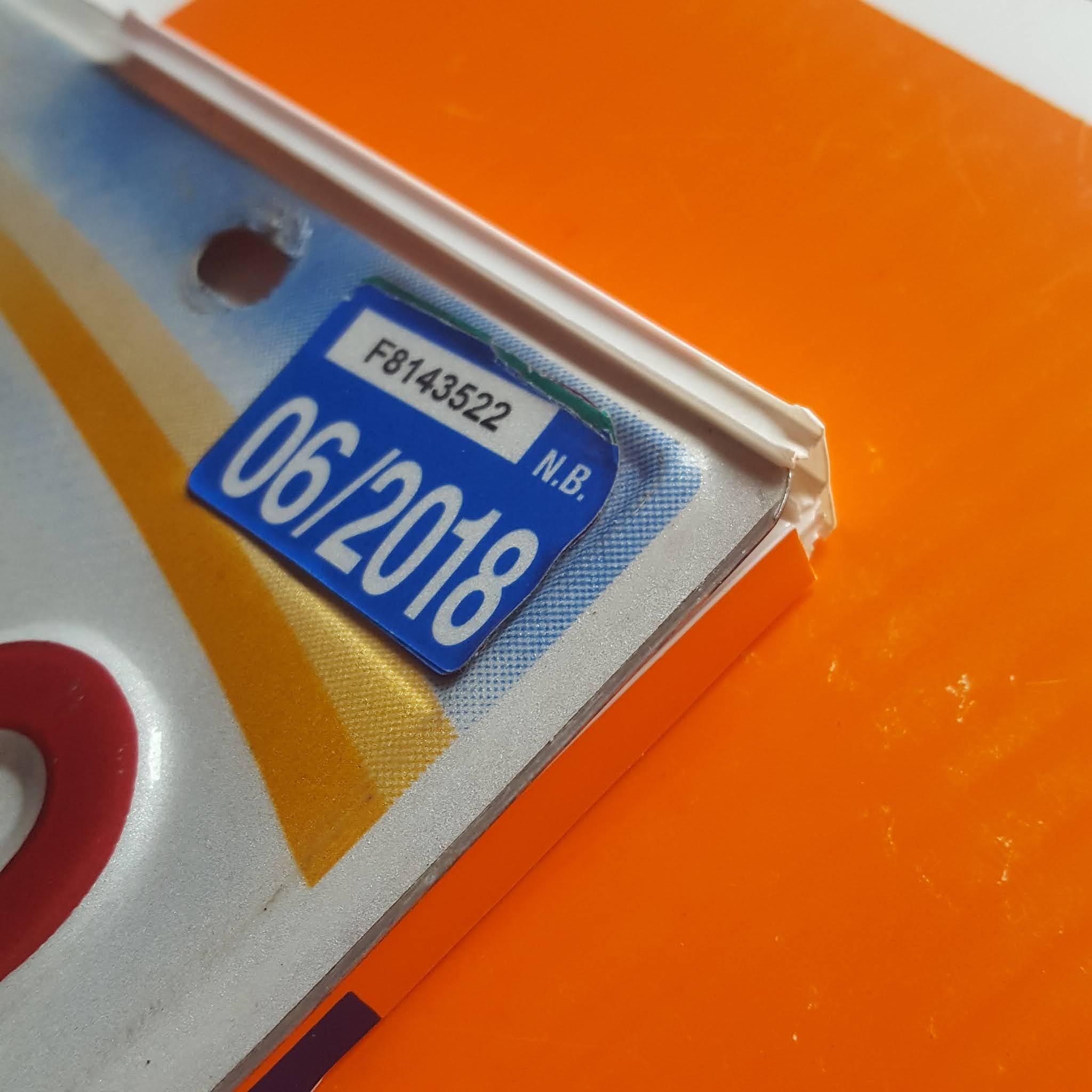 Licence Plate Bracket - Coroplast DIY - CoroplastCreations.com - HalifaxSportsPhotos.ca