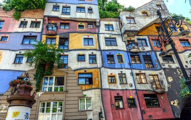 Hundertwasser-houses-vienna
