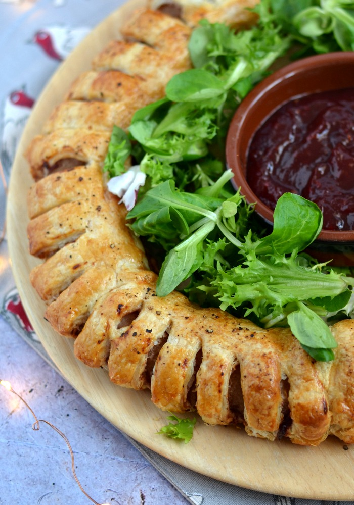 Cranberry Sausage Roll Garland