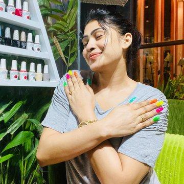 Piumi Hansamali T Shirt Stills Navel Queens