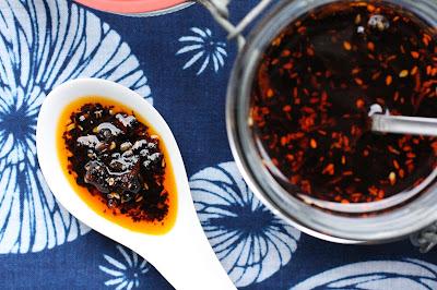 huile piquante japonaise a l'ail