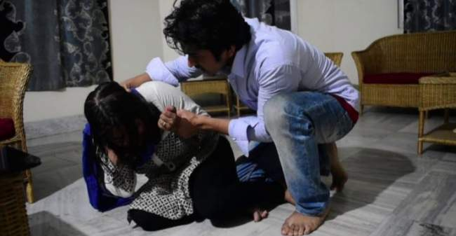 These-actresses-have-been-tortured-a-lot-by-husband-one-of-them-had-broken-the-jaw