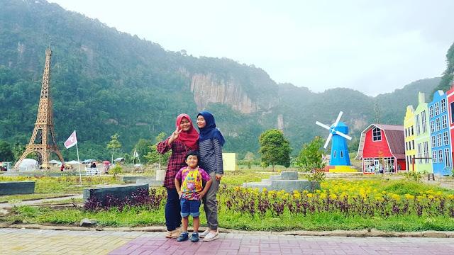Wisata Keluarga di Sumatera Barat