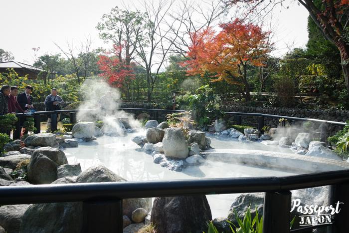 Oniishibozu Jigoku, bassins et fumerolles, Beppu, Oita