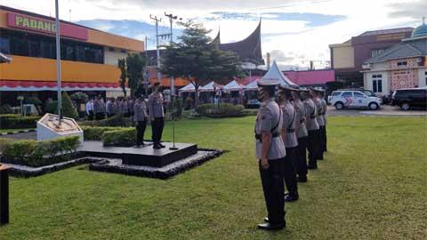 Sertijab Kasat Resnarkoba dan Dua Kapolsek di Polresta Padang