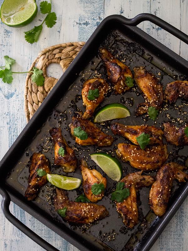 alitas-de-pollo-al-horno-en-salsa-de-miel-y-sriracha