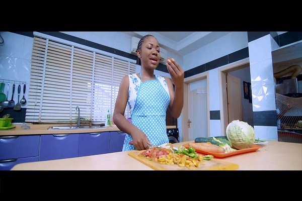 DOWNLOAD VIDEO: Mercy Chinwo ft. Fiokee- On a Regular