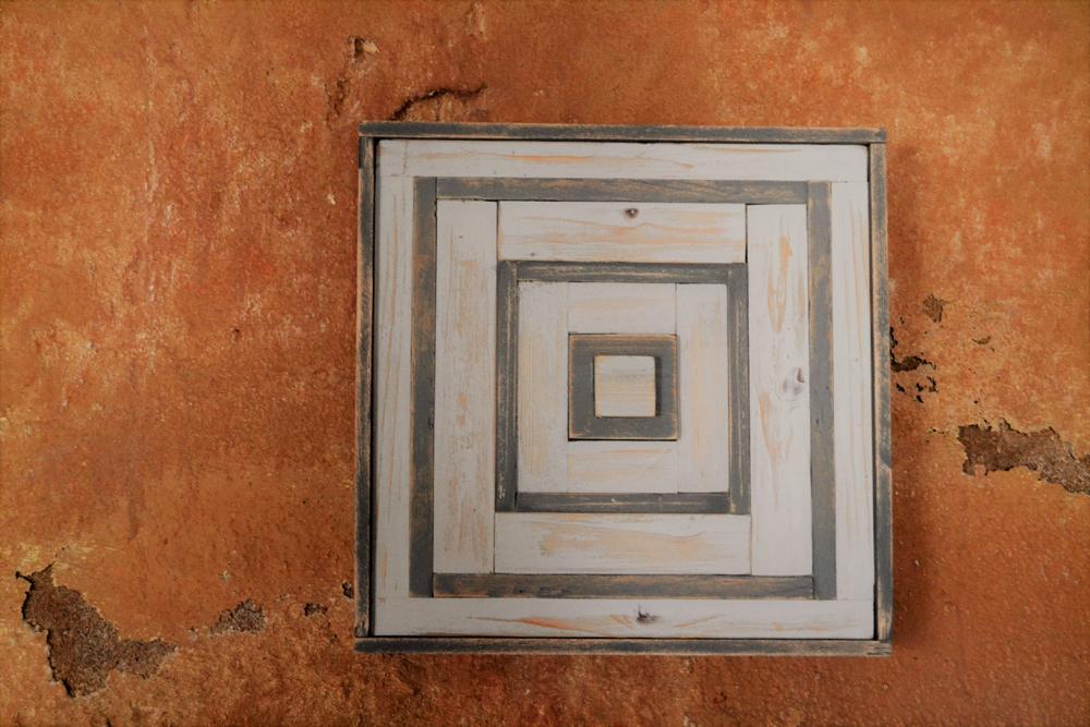 Colores de Menorca, linea handmade de arte geométrico en madera, obras creadas y diseñadas por Menorca maker