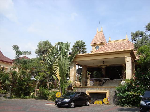 Hotel Lotus Garden Kediri