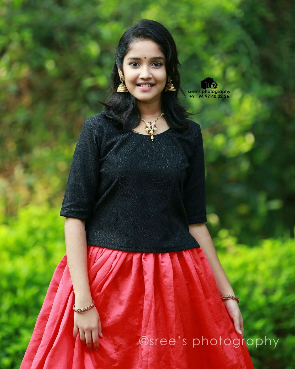 Anikha Surendran Cute Wallpapers