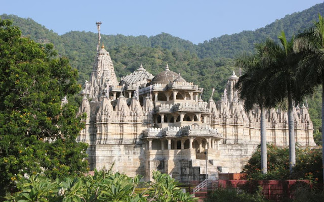 Backpack Trekking In India - Rajasthan Trekking, Ranakpur jain temple