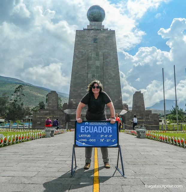 Monumento que marca a Linha do Equador, em Quito