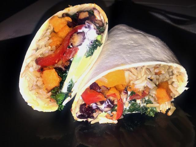 Burrito z brązowym ryżem i warzywami