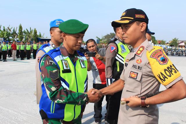 Penyematan Pita Oleh Kapolres Klaten AKBP Wiyono Eko Prasetyo,SIK.MIK