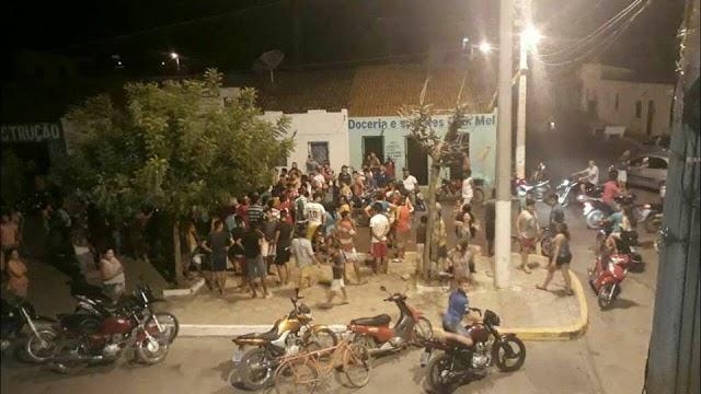 TERROR: SEIS BANDIDOS ARMADOS PRATICARAM UM ARRASTÃO NO DISTRITO DE RAFAEL ARRUDA