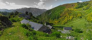 https://konicoleando.blogspot.com/2019/07/pico-gallo-desde-cuevas-del-sil-pasando.html