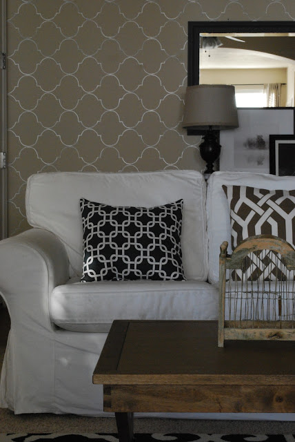 The Shabby Nest: How I Created My Living Room Accent Wall~