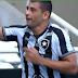 Com um golaço de Diego Souza, Botafogo vence o Vasco e mantém rival na lanterna