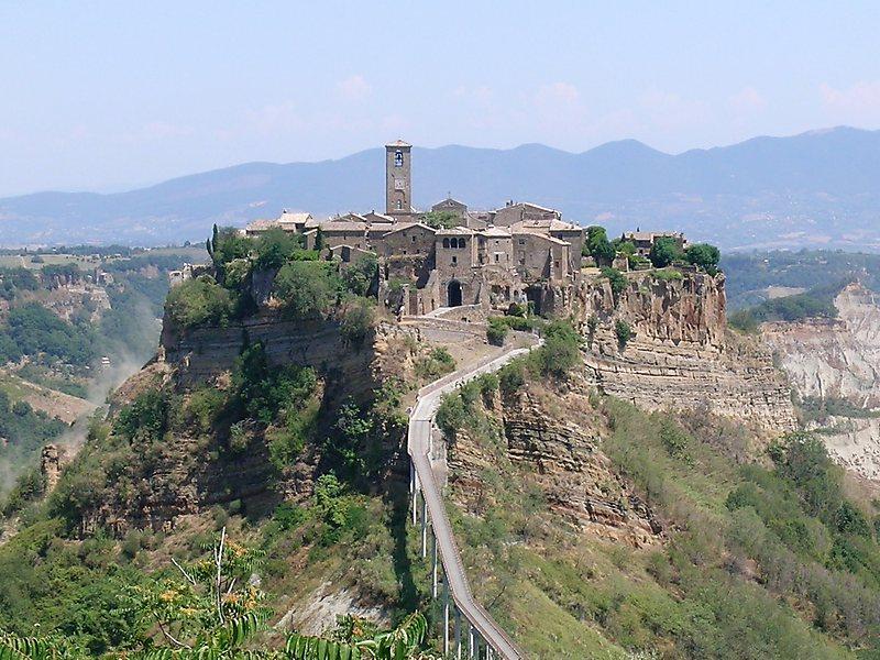 Uma Cidade Situada em Uma Colina